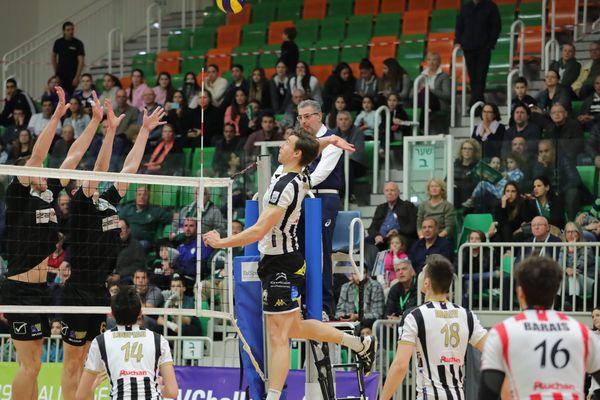 Défaite du Stade Poitevin Volley face à Hapoël Yoav Sfar Kaba en Israël