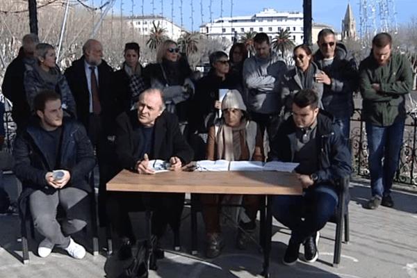 Le Collectif Ghjustizia è Verità Per i Nostri et la Ligue des Droits de l'Homme Corsica, avec André Paccou