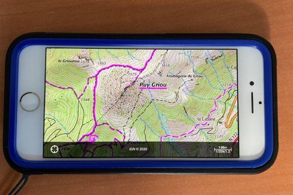 Les gendarmes de montagne du Cantal peuvent localiser les victimes d'accident ou les personnes perdues via leur smartphone.