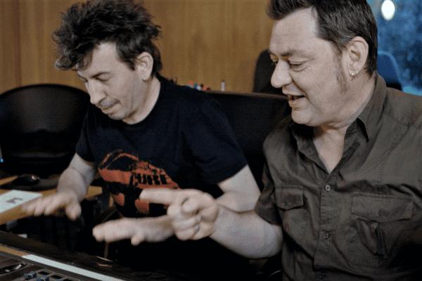 Jérôme Grousset à la console avec Pierre-Jean Chabot de Orange Blossom