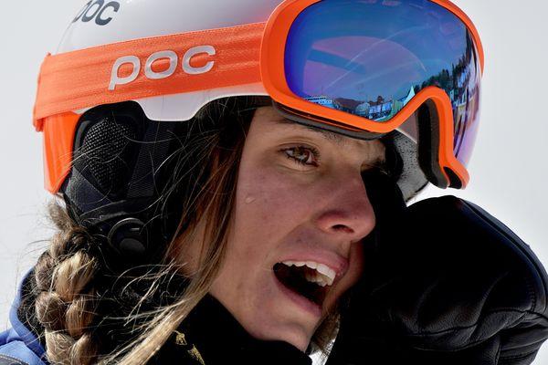 A 16 ans, Julia Pereira de Souza Mabileau a décroché jeudi l'argent en snowboardcross et est devenue la plus jeune médaillée française de l'histoire des Jeux d'hiver.