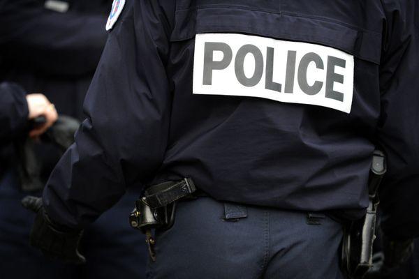 Un fonctionnaire de police en uniforme. Photo d'illustration Fred TANNEAU / AFP
