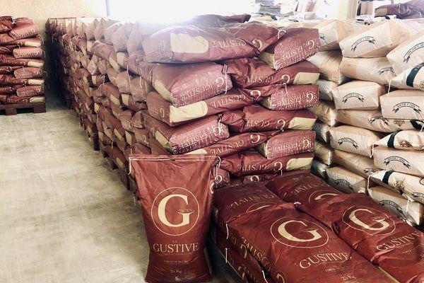 La farine se fait rare dans les supermarchés, pourtant les moulins de Champagne-Ardenne tournent à plein régime.