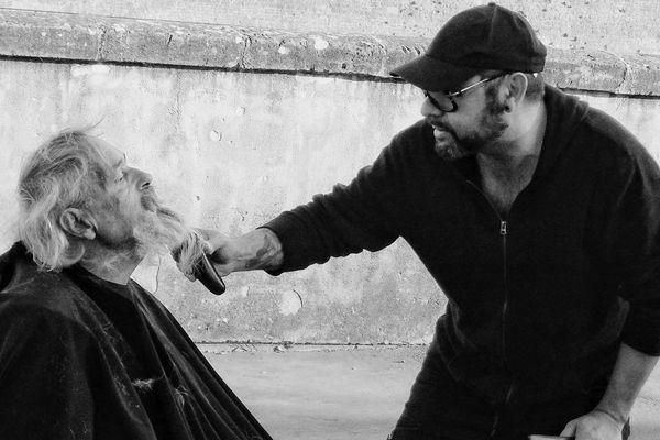 Le coiffeur d'hagondange, Laurent Santini va à la rencontre des sans-abris