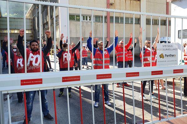 Les ouvriers de MSSA sont en grève depuis huit jours, ce samedi.