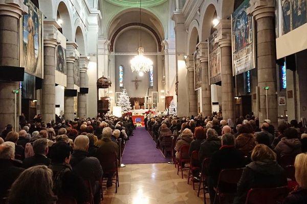 Un grand recueillement pour cet hommage à Jeanne Augier, une institution à Nice.