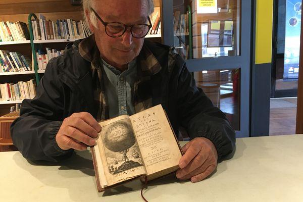 """L'""""Atlas des enfants"""", un souvenir d'enfance qui a inspiré Joël Selo pour son roman."""