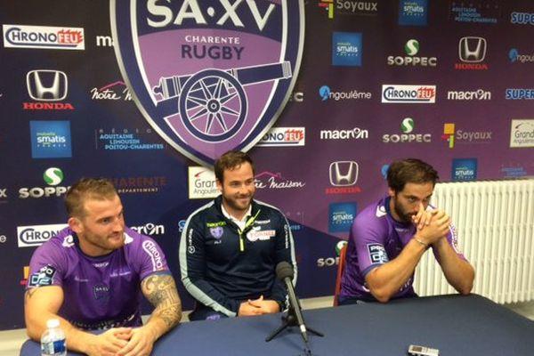 Le sourire du coach Julien Laïrle entouré de Sébastien Laulhé et Baptiste Cariat.