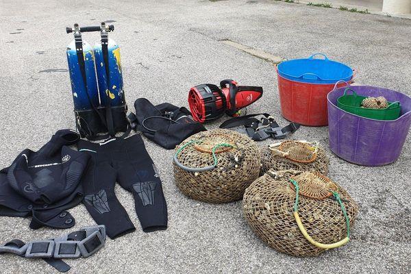 108 kg de palourdes et du matériel de plongé ont été saisis.