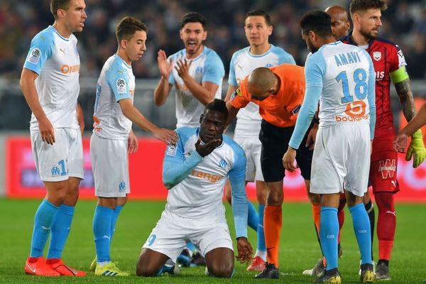 07/04/2019 - Polémique autour du coup d'épaule donné par Pablo sur Balotelli lors du match de 31e journée de L1, Bordeaux-Marseille.