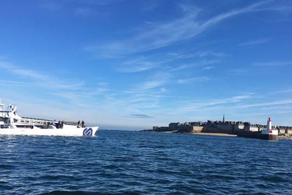 L'Energy Observer, de retour à Saint-Malo.