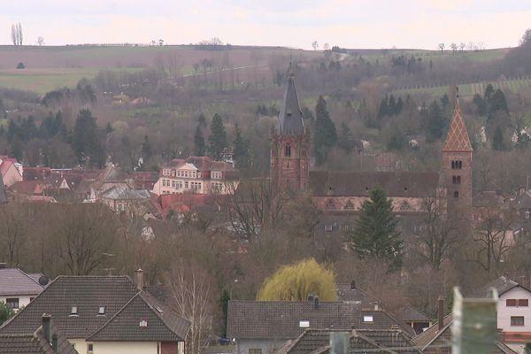 Vue de Wissembourg, avec l'abbatiale St-Pïerre-St-Paul
