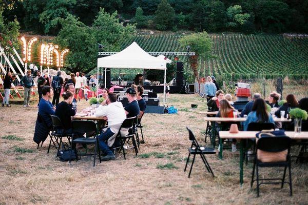 Le festival Volcan de Nuits au cœur des vignes de Nuits-Saint-Georges, en Côte-d'Or
