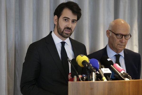 Antonin Levy, à gauche, et Pierre Cornut-Gentille, à droite, les avocats des époux Fillon