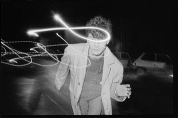 Etienne Daho en « patrouille de nuit » dans les rues de Rennes, décembre 1980