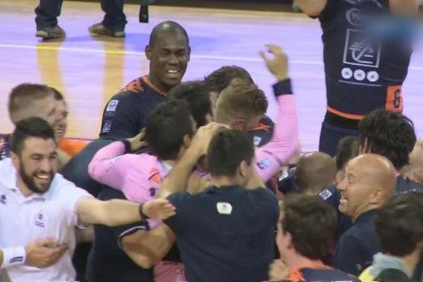 Malgré la défaite 33-26 face à Mulhouse, Chartres jouera l'an prochain en LNH.