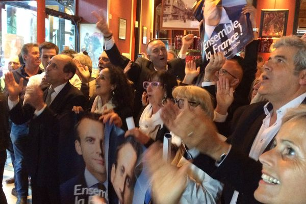 Les militants d'Emmanuel Macron au QG à Nîmes - 7 mai 2017