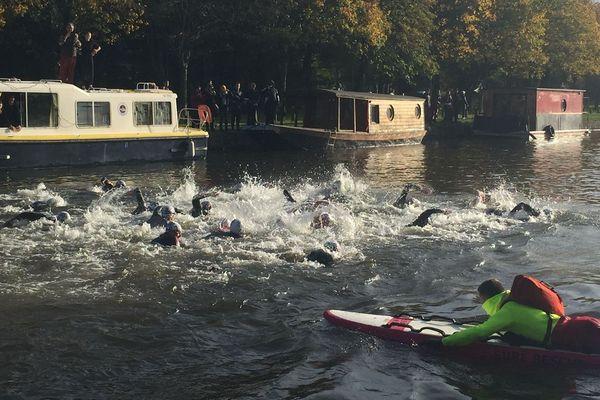 Dans une eau à 12 °C, 250 courageux se sont donné rendez-vous