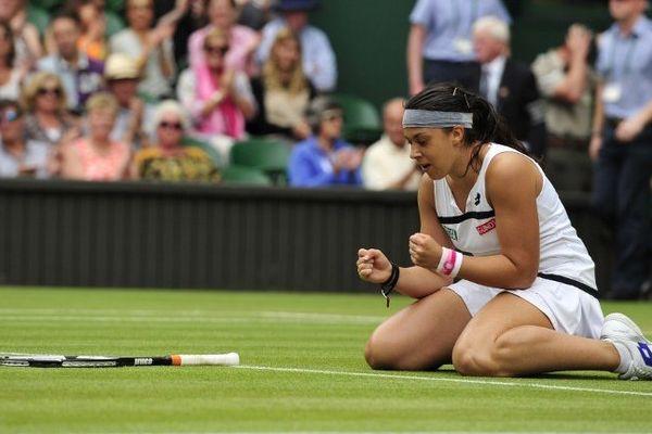 Avant d'arriver pour la seconde fois en finale du tournoi de tennis de Wimbledon, troisième levée du Grand Chelem de la saison, Marion Bartoli a frappé ses premières balles à Retournac, en Haute-Loire. A l'époque, les instances nationales n'avaient pas décelé en elle un tel potentiel, selon un ancien conseiller technique régional d'Auvergne.