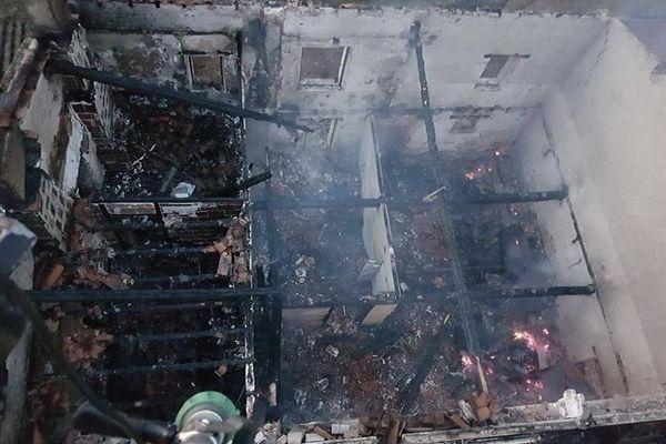 150 m2 de ce bâtiment ont été détruits par les flammes