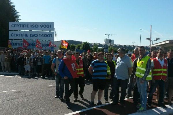 Les salariés de l'entreprise Otis de Gien en grève ce lundi 8 juin.