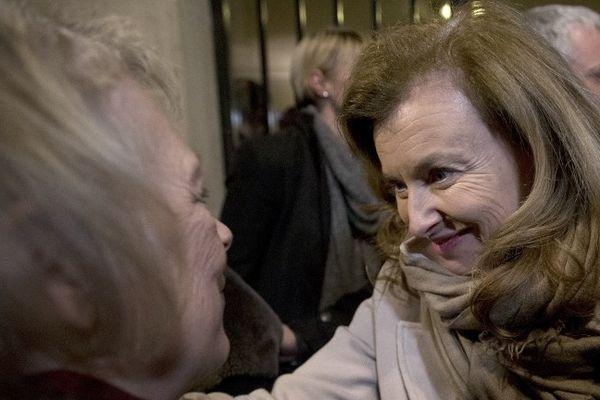 La joie de Charlotte Cassez et Valérie Trierweiler, ce mercredi soir.