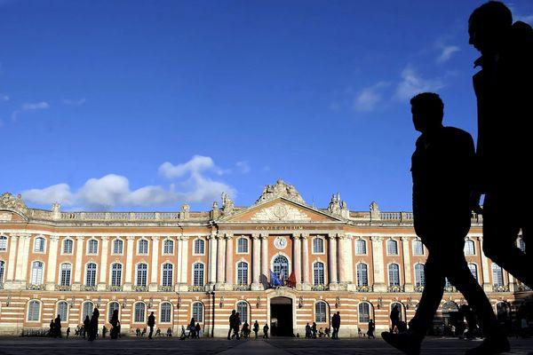 """Les candidats à la mairie de Toulouse et de sa métropole sont invités à répondre aux 2 engagements réclamés par """"l'A.G. des gilets jaunes de Toulouse""""."""