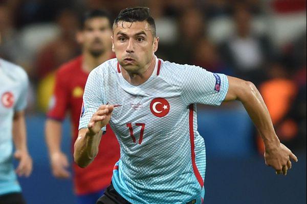 La star de foot turque a rejoint le Losc à l'été 2020 pour deux ans.