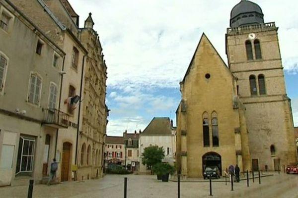 La paroisse de Paray-le-Monial et la municipalité se prépare à recevoir des familles de migrants.