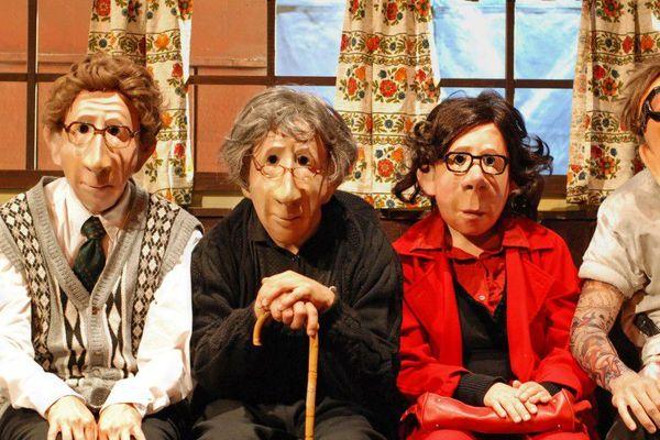 Les mimes de la Famille Flöz transforment Bobino en « Hotel Paradiso ».