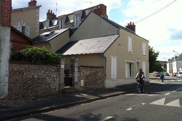 L'accueil de nuit est situé rue de la Garenne à Blois.