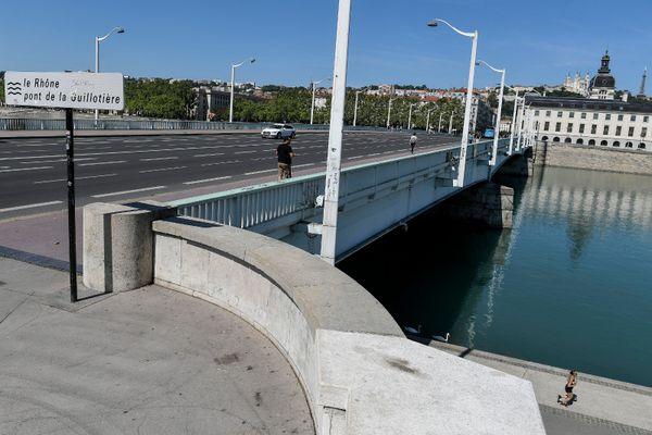 Un homme a été volontairement projeté dans le Rhône au niveau du pont de la Guillotière à Lyon. La Police lance un appel à témoin.