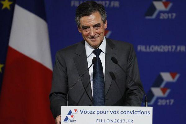 François Fillon en meeting à Paris, le 25 novembre 2016.