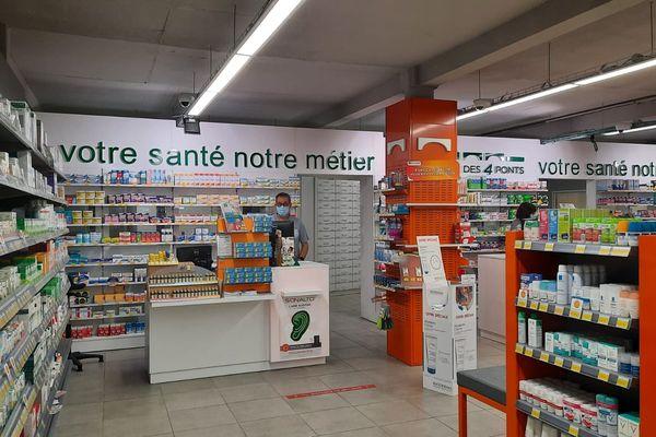 Les pharmaciens en Occitanie ont dû annuler des rendez-vous de vaccination à cause d'un problème d'acheminement des doses.