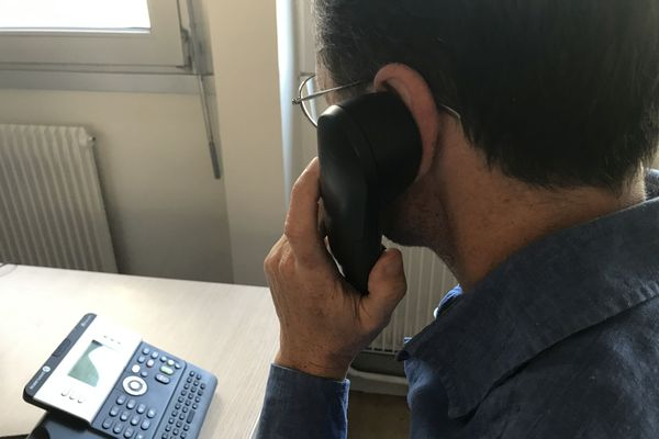 Pendant la situation inédite de confinement, le Secours Catholique de l'Isère a mis en place un dispositif d'écoute téléphonique, grâce à un numéro vert d'appel gratuit.