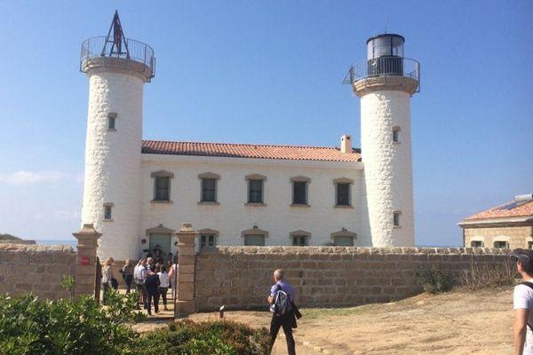 Le phare de Senetosa présente la particularité d'être équipe de deux tours.