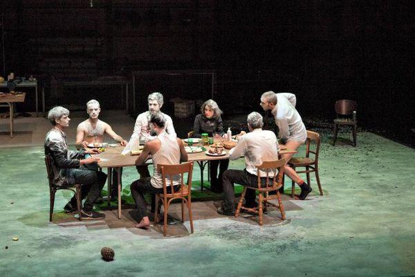 Une création du collectif BAJOUR / METTRE EN SCENE / mise en scène Leslie Bernard