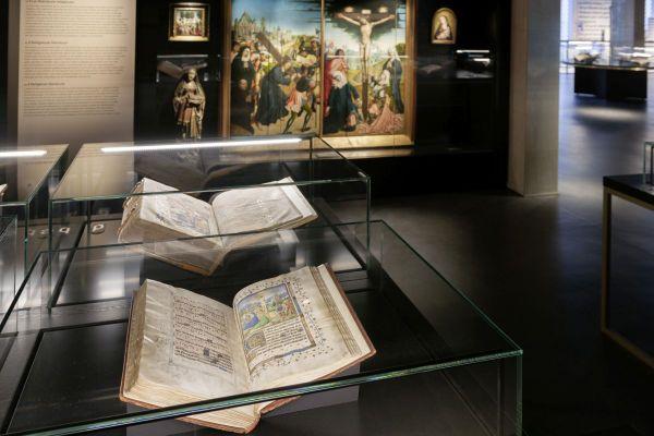 Des manuscrits de la fabuleuse collection des ducs de Bourgogne sont exposés au KBR museum : la Bibliothèque royale de Belgique en possède environ 300 au total.