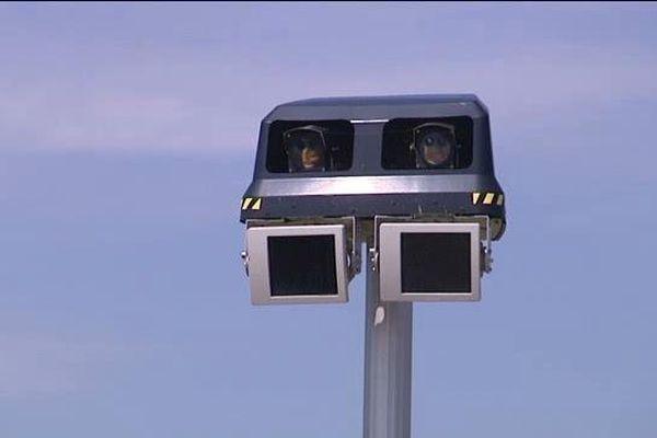 Ce nouveau type de radar est placé en hauteur.