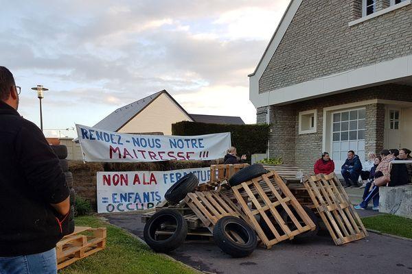 L'école de ver-sur-Mer est bloquée depuis lundi soir 19H30