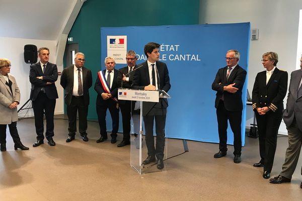 Julien Denormandie, ministre chargé de la ville et du logement, était en visite dans le Cantal, jeudi 17 octobre. Il est venu faire le point sur le déploiement du numérique dans le département. Première étape à Montsalvy où il a inauguré le tout nouvel hôtel numérique.