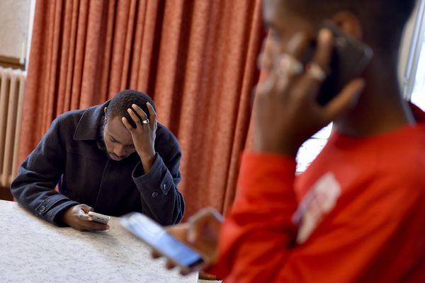 Le préfet du Var a lancé FinDaWay une application pour aider les demandeurs d'asile et les réfugiés dans leurs démarches et leur vie quotidienne.