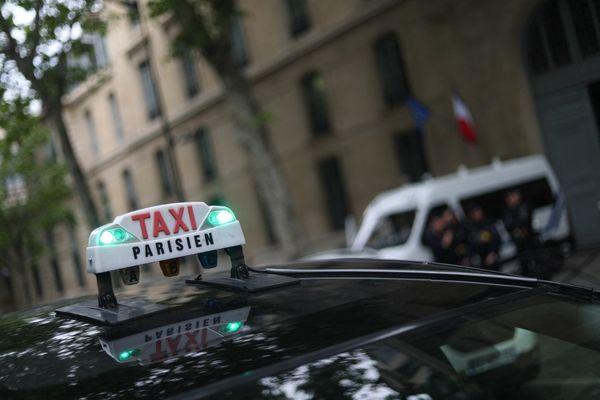 Avec une circulation généralisée à 30 km/h, le prix des courses de taxi pourrait augmenter à Paris.