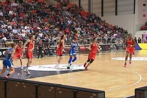 Les basketteuses de Lattes, se sont imposées face à Bourges 71 à 60 ce vendredi en demi-finales des play-offs retour - 28 avril 2017