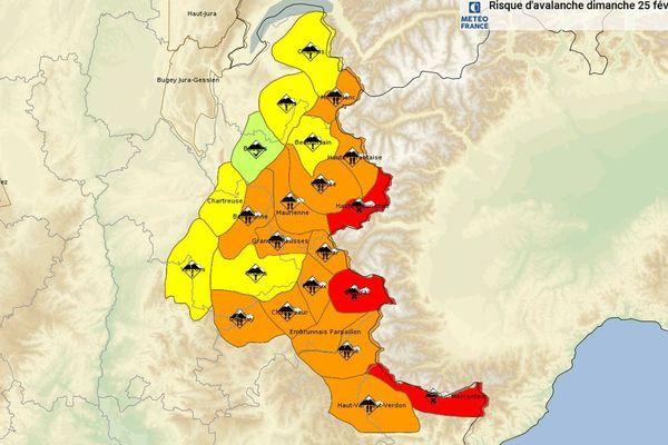 Le risque d'avalanche est de 4 sur 5 ce dimanche dans certains massifs des Alpes