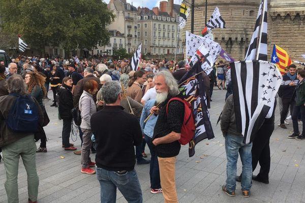 Samedi 28 septembre 2019, plusieurs centaines de défenseurs d'une Bretagne à cinq départements ont manifesté dans le centre-ville de Nantes