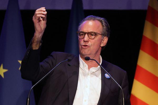 5 juin 2021, Saint-Raphaël (Var) : le président de la région PACA Renaud Muselier lors d'un meeting pendant la campagne électorale des régionales.