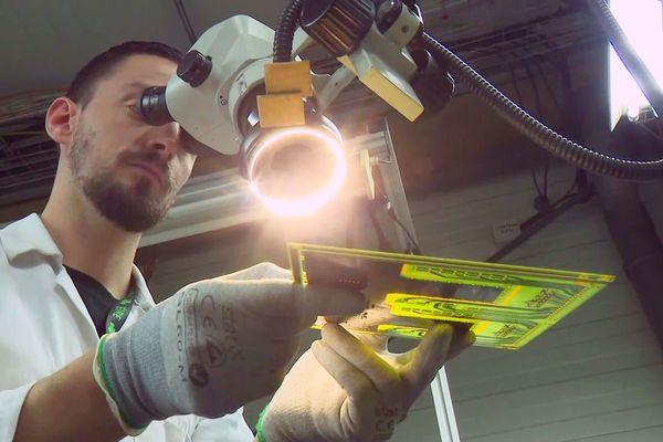 Les techniciens d'Inovelec vont se consacrer pendant un mois à la fabrication exclusive des circuits électroniques pour la fabrication des respirateurs indispensables à la survie des malades du coronavirus en besoin d'assistance respiratoire