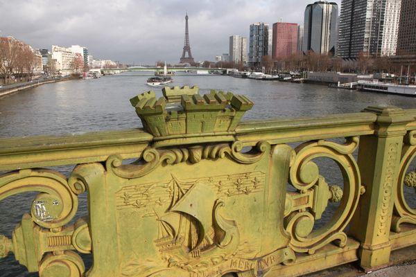 Le pont Mirabeau, à Paris.