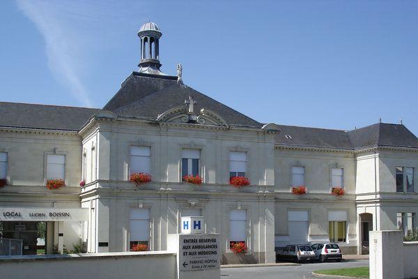 Hôpital de Longué-Jumelles, entrée principale.